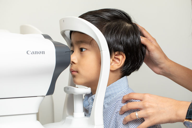 Dr Jimmy Lim JL Eye Specialists Clinic in Singapore Myopia Control Service Child Check-up Side View