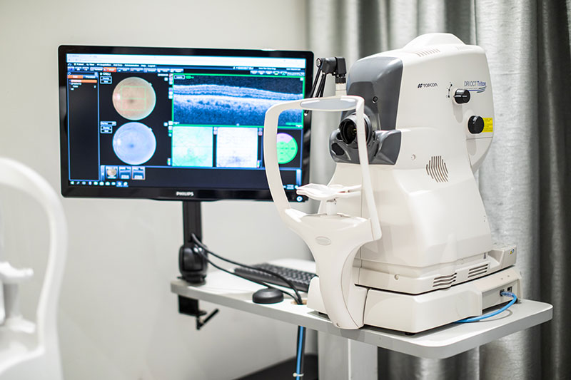 Dr Jimmy Lim JL Eye Specialists Clinic in Singapore RI OCT Triton Diagnostic Machine